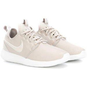 Nike leather roche 2